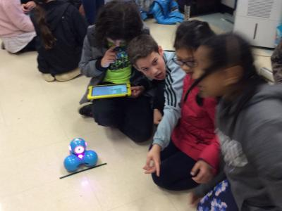 Fifth Graders experience coding led by Glasgow MS students